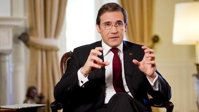 """Passos Coelho: Debate sobre crescimento e austeridade é """"infantil"""""""