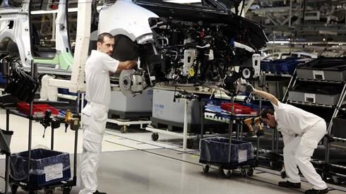 Autoeuropa e trabalhadores chegam a acordo de princípio sobre trabalho ao sábado
