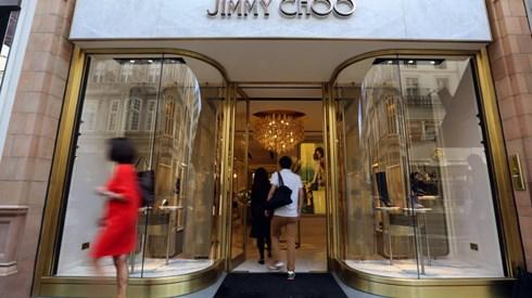 Jimmy Choo está à venda. Acções disparam mais de 10%