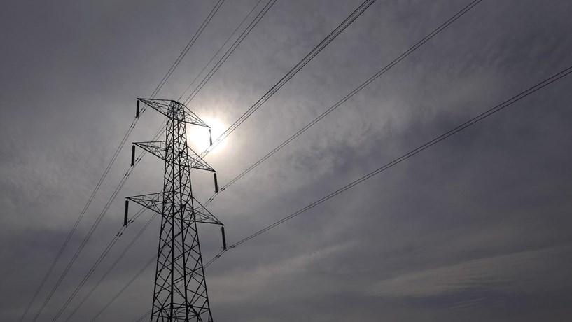 Preço da electricidade no mercado dispara para máximos de três anos