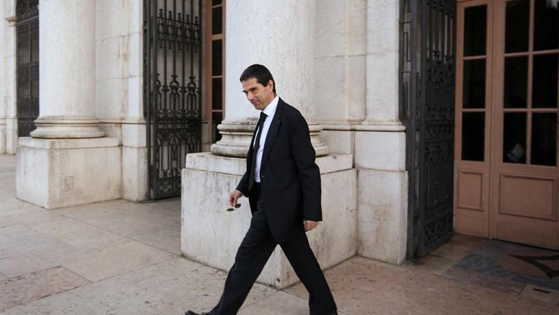Vítor Gaspar vai ser condecorado pelo Presidente da República