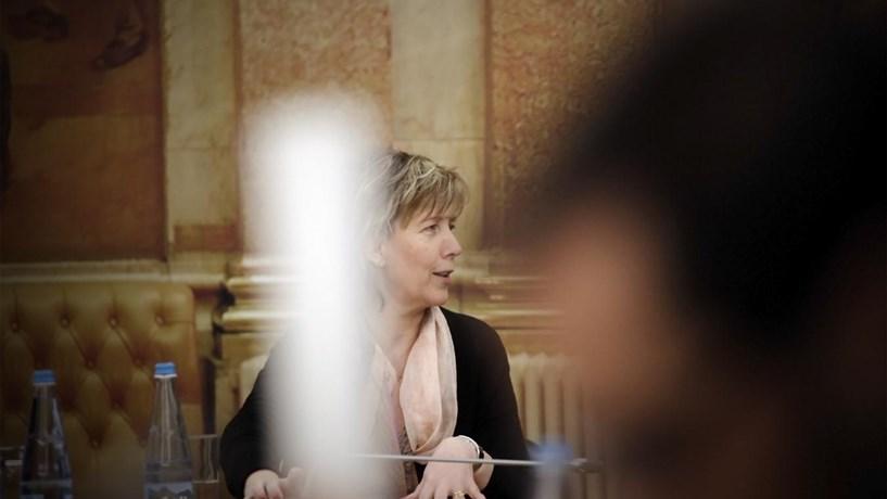 """Maria Luís Albuquerque diz que é """"vergonhoso"""" não aumentar pensões mínimas"""