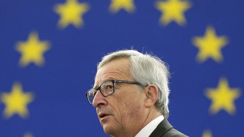 "Juncker sobre a troika: ""Pecámos contra a dignidade"" de Portugal e Grécia"