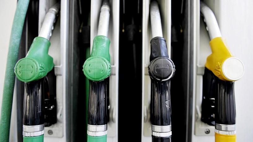 Três apps para encontrar os preços baixos dos combustíveis