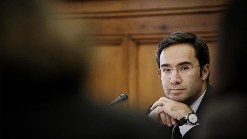 """""""Think tank"""" próximo do PSD critica reestruturação da dívida e propõe Eurobonds"""