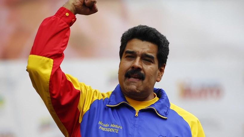 Maduro aumenta preços dos combustíveis em 6000% e desvaloriza bolívar por decreto