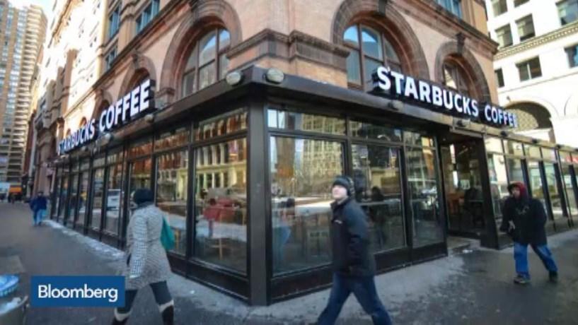 Lucros e receitas da Starbucks no quarto trimestre superam previsões