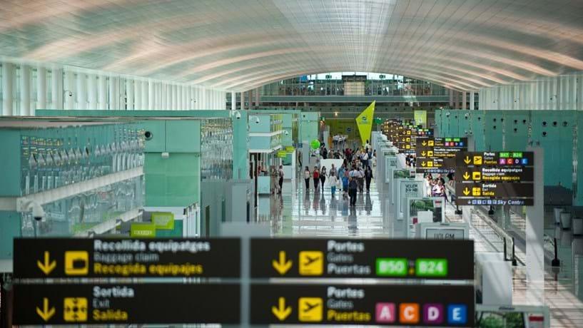 Espanha baixa taxas aeroportuárias para melhorar competitividade dos aeroportos