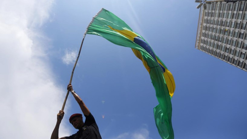 Avião despenhou-se no Brasil e relator da operação Lava Jato está na lista de passageiros