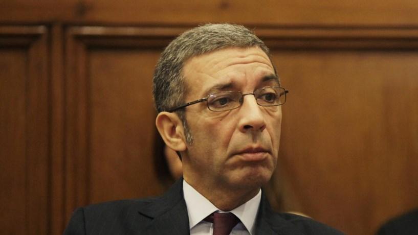 """PSD diz que """"caiu a máscara ao Governo"""" com perdão fiscal"""