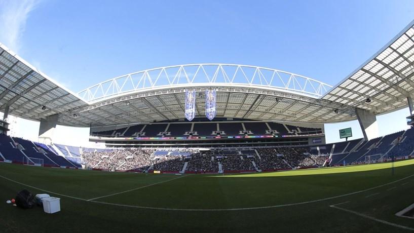 FC Porto goleia Leicester e apura-se para os oitavos da Liga dos Campeões