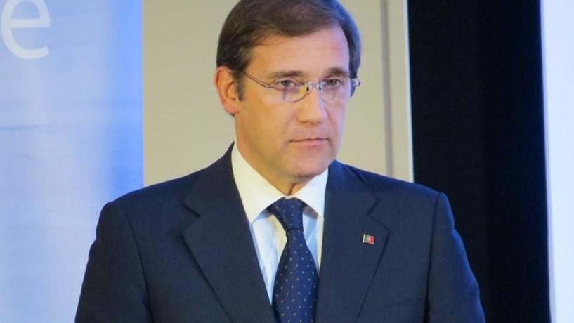 Passos Coelho acusa Governo de subir pensões e não pagar a hospitais e bombeiros