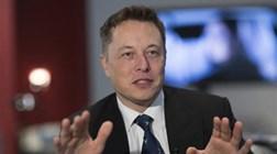 """Musk: Primeiros passageiros da SpaceX devem ser """"corajosos"""""""
