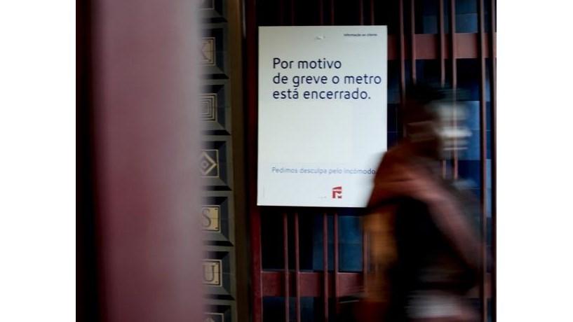 Serviços mínimos para greve do Metro de terça-feira não obrigam a circulação