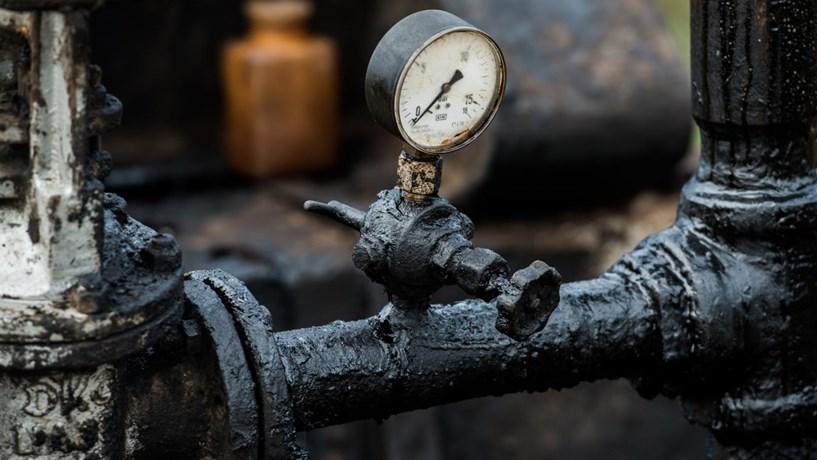 As oito maiores petrolíferas do mundo poluem tanto como os Estados Unidos