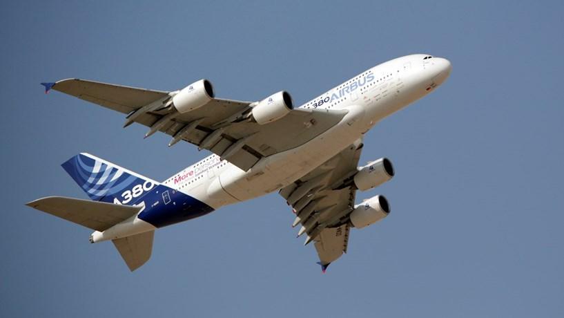 Airbus ultrapassa Boeing em encomendas mas fica para trás nas vendas