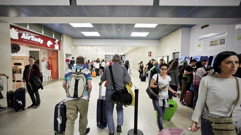 Transporte de passageiros e mercadorias acelerou no primeiro trimestre