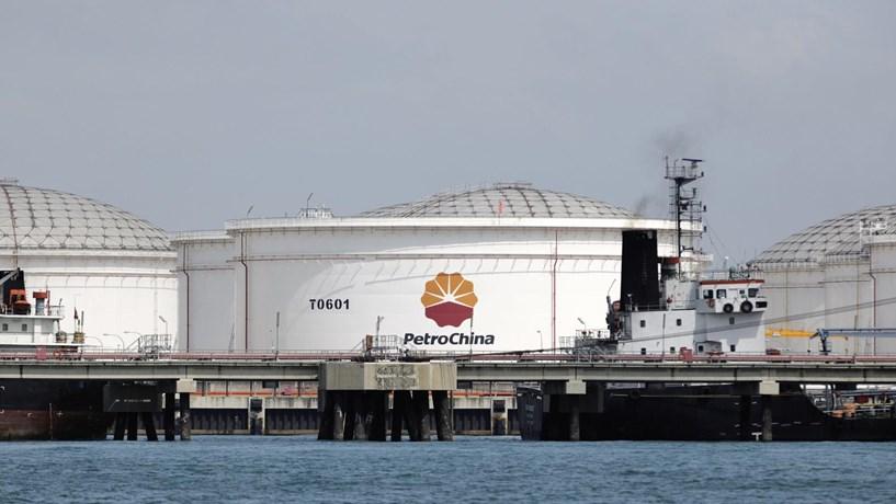 Petrochina prevê queda de 70% dos lucros devido ao colapso do petróleo