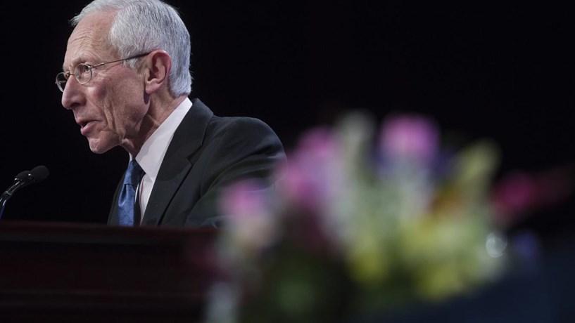 Stanley Fischer: bancos centrais precisam de ajuda para promoverem o crescimento