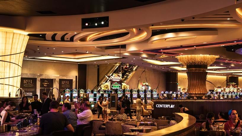 Receitas dos casinos em Macau sobem mas ficam aquém das estimativas