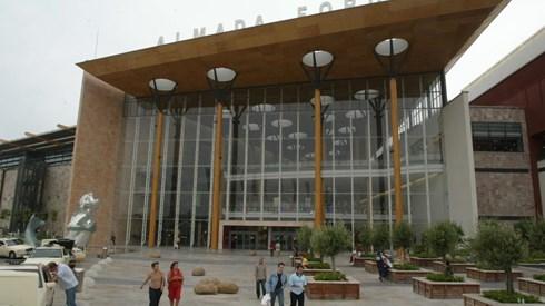 Blackstone encaixa até 900 milhões com venda de quatro centros comerciais em Portugal