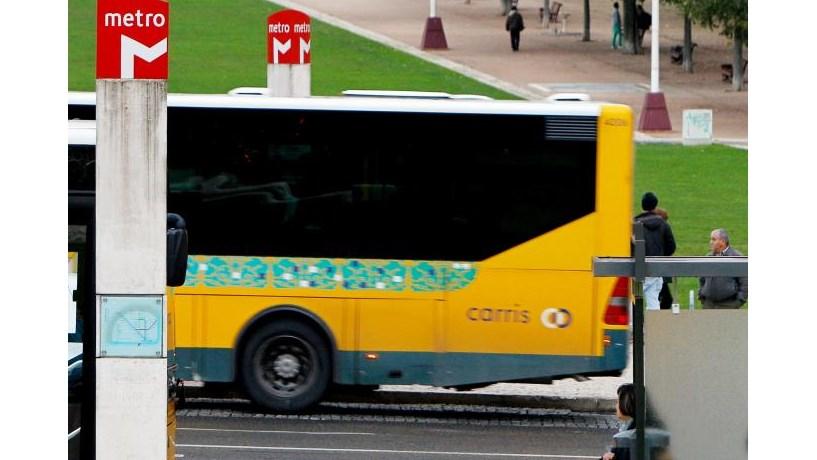 Portugueses entre os europeus menos satisfeitos com os transportes