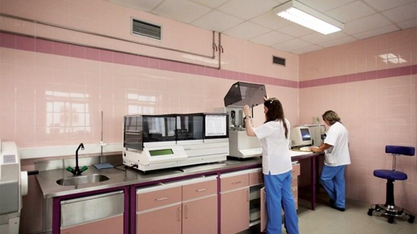 PS recua na taxa de 5% para os fornecedores do Serviço Nacional de Saúde