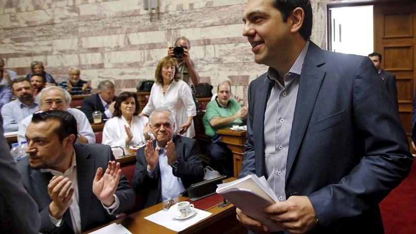 Grécia cresceu mais no terceiro trimestre que o inicialmente previsto