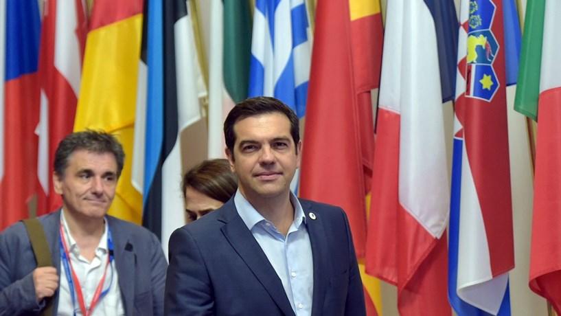 Tsipras planeia contratar Rothschild como consultor de dívida