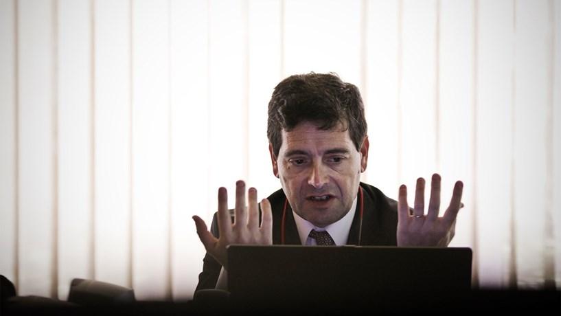 """António Ramalho: """"Actividade normal"""" assegura cortes no Novo Banco"""