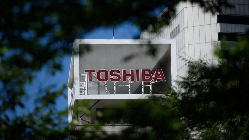 Toshiba afunda mais de 16% após notícias de perdas na unidade nuclear