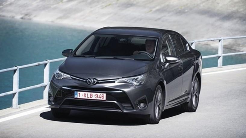 Toyota e Suzuki anunciam parceria