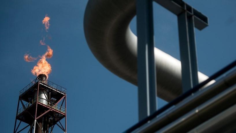 Vicente deu o pontapé de saída para a construção da refinaria do Lobito.