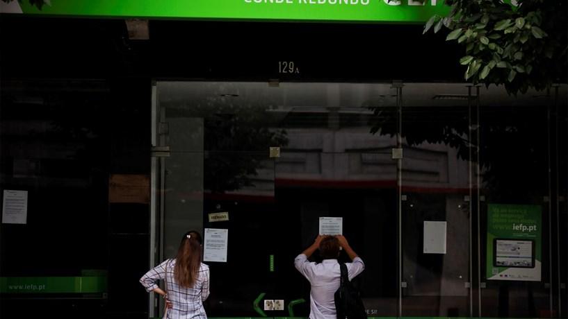 Desempregados inscritos nos centros de emprego continuam a diminuir