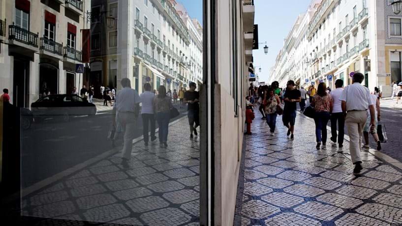 Dívida das famílias portuguesas cai para mínimo de nove anos