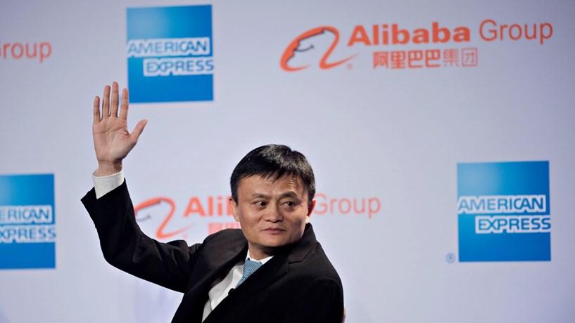 Receitas da Alibaba superam estimativas e crescem 54%
