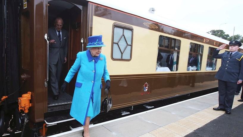 Orçamento da rainha de Inglaterra vai quase duplicar para 82 milhões de libras