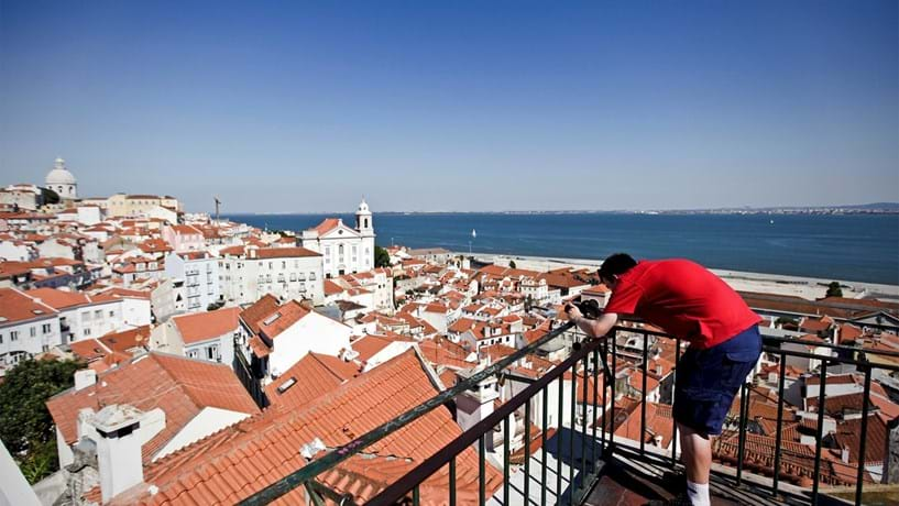 Governo prepara IRS sobre rendas a turistas (act.)