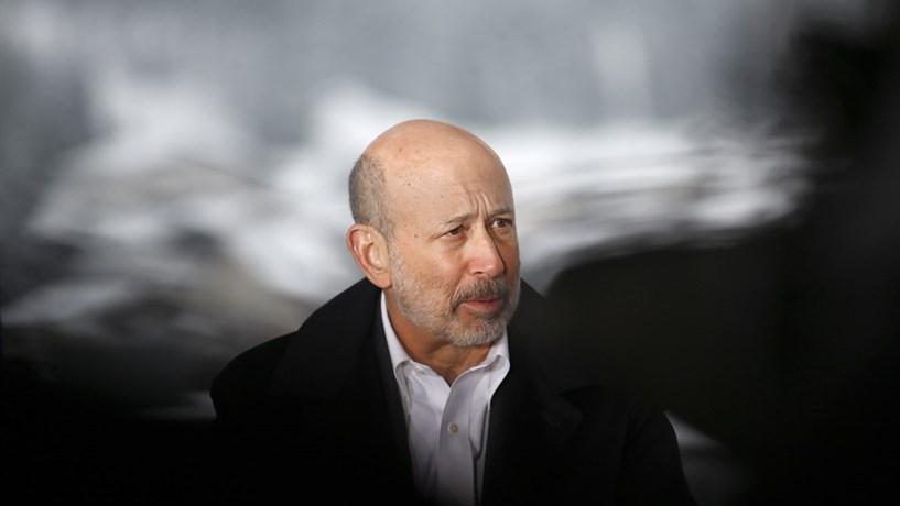 Goldman corta em 27% remuneração do CEO para 22 milhões