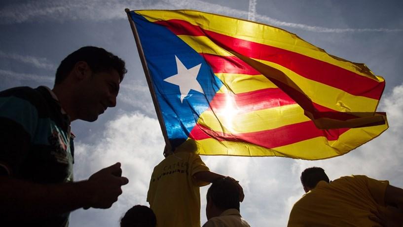 Governo espanhol recorre ao Constitucional para impedir referendo na Catalunha