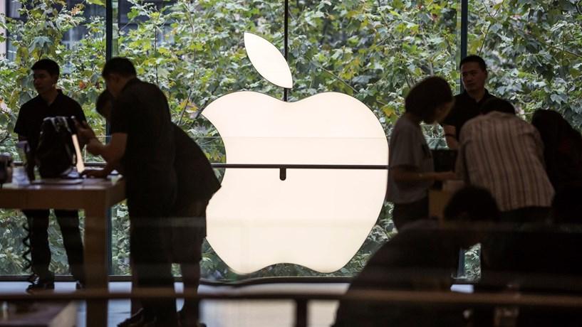 iPhone com ecrã curvo pode ser lançado em 2017