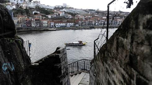 Passos lança ex-vereador de Menezes para reconquistar Gaia