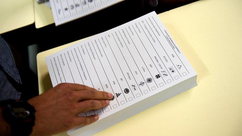Emigrantes forçam Parlamento a discutir mudanças na lei eleitoral
