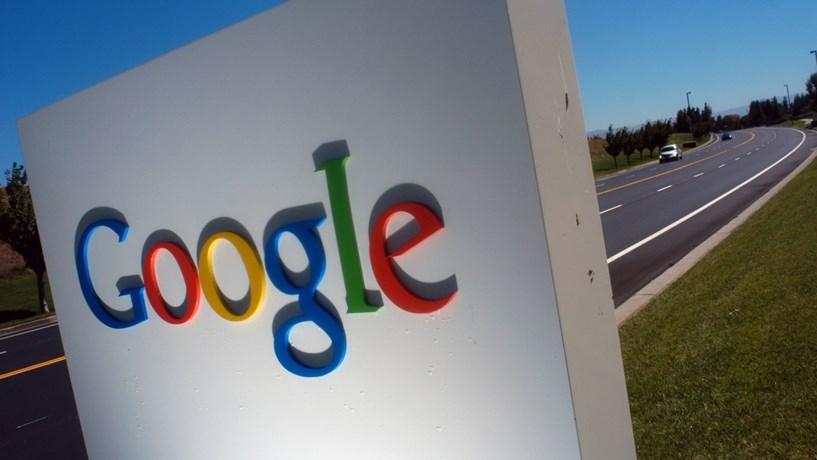 Google e Facebook tentam travar páginas de notícias falsas