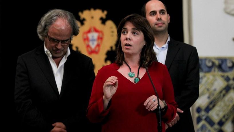 """Catarina Martins: Há """"uma aliança do Bloco Central"""" preocupante sobre o sistema financeiro"""