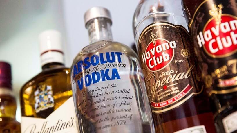 """Pernod Ricard pede """"renúncia"""" à subida do imposto sobre bebidas espirituosas"""
