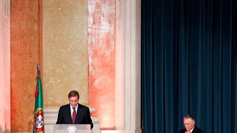 O dia num minuto: Governável ou ingovernável, manipulação ou não. A Chevron e a FIFA