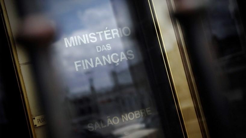 Fisco vai saber quanto é que os contribuintes têm no banco