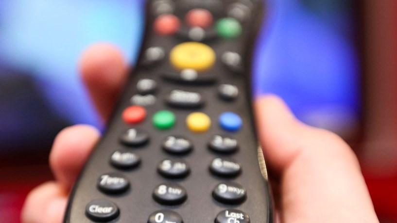 Futebol obriga operadoras a aumentar preços de pacotes de TV