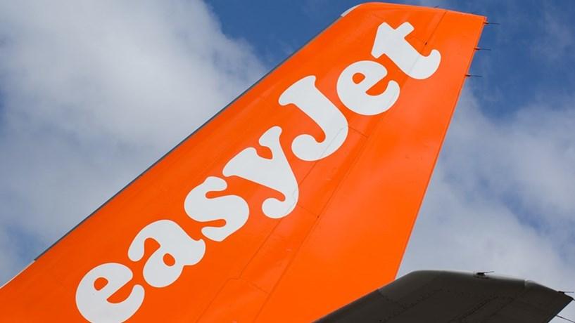 Easyjet com multa suspensa se indemnizar e compensar passageiros com viagens